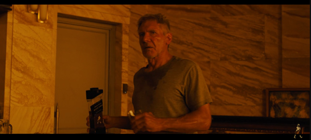 Johnnie Walker Whisky Futuristic Bottle in Blade Runner 2049 (2017) Movie Product Placement