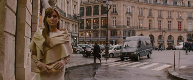 Mercedes-Benz Sprinter [T1N] van in THE TOURIST (2010) Movie Product Placement