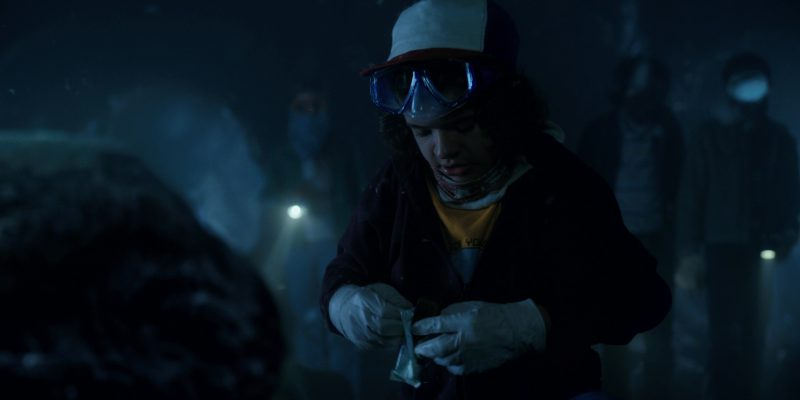3 Musketeers Candy Bar in Stranger Things: The Gate (2017) - TV Show Product Placement