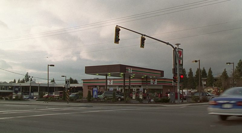 7-Eleven Store and Filling Station in Jumanji (1995) - Movie Product Placement