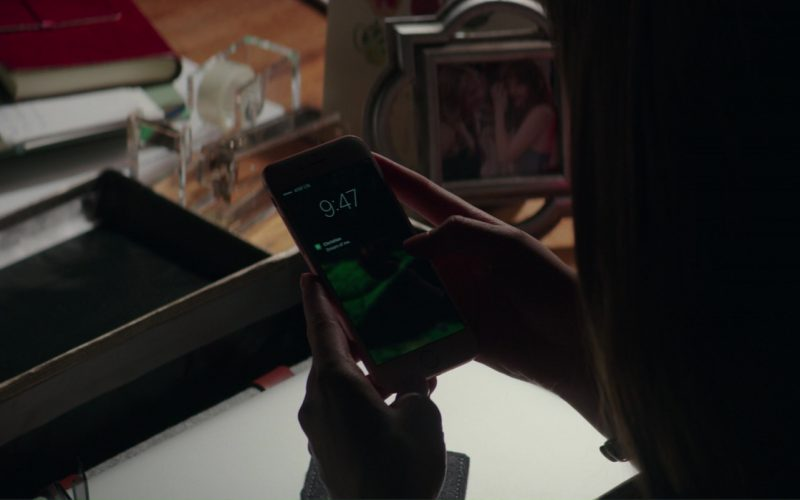 AT&T And Apple iPhone 6-6S Smartphone Used by Dakota Johnson (Anastasia Steele) in Fifty Shades Darker (1)