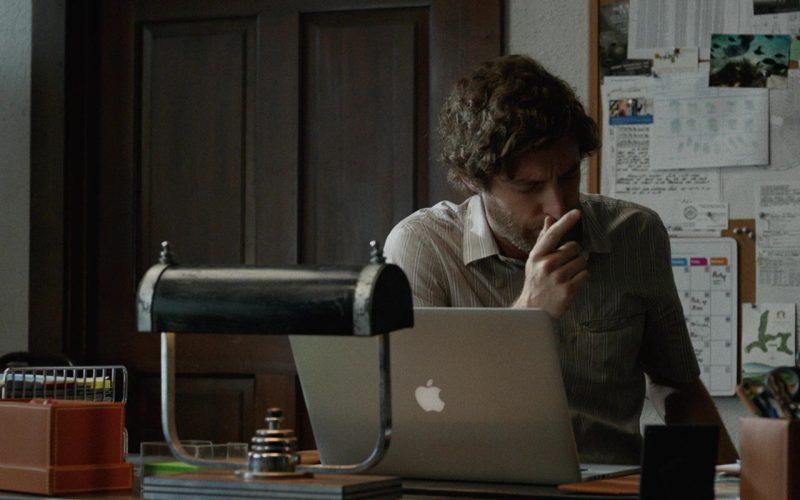 Apple MacBook Laptop Used by Thomas Middleditch in Once Upon a Time in Venice (1)