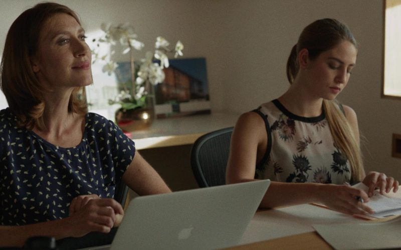 Apple MacBook Pro in Once Upon a Time in Venice (1)