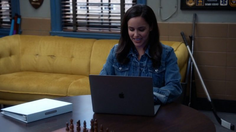 Apple MacBook Used by Andy Samberg and Melissa Fumero in Brooklyn Nine-Nine: The Venue (2017) - TV Show Product Placement