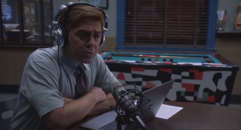 Apple MacBook Used by Joe Lo Truglio in Brooklyn Nine-Nine: The Big House Pt. 2 (2017) TV Show Product Placement