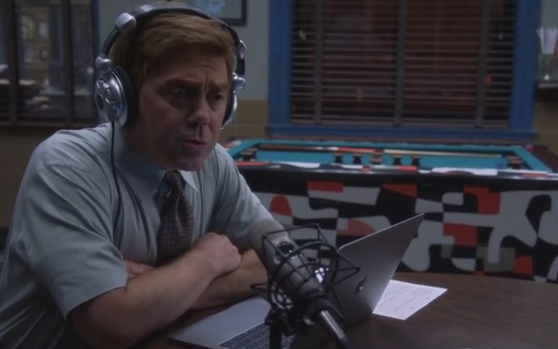 Apple MacBook Used by Joe Lo Truglio in Brooklyn Nine-Nine The Big House Pt. 2