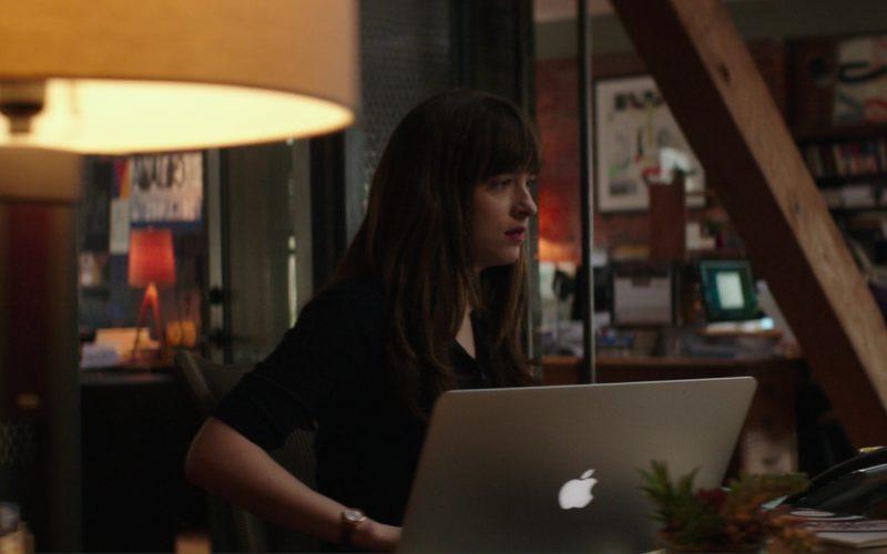 Apple Macbook Laptop Used by Dakota Johnson (Anastasia Steele) in Fifty Shades Darker (2)