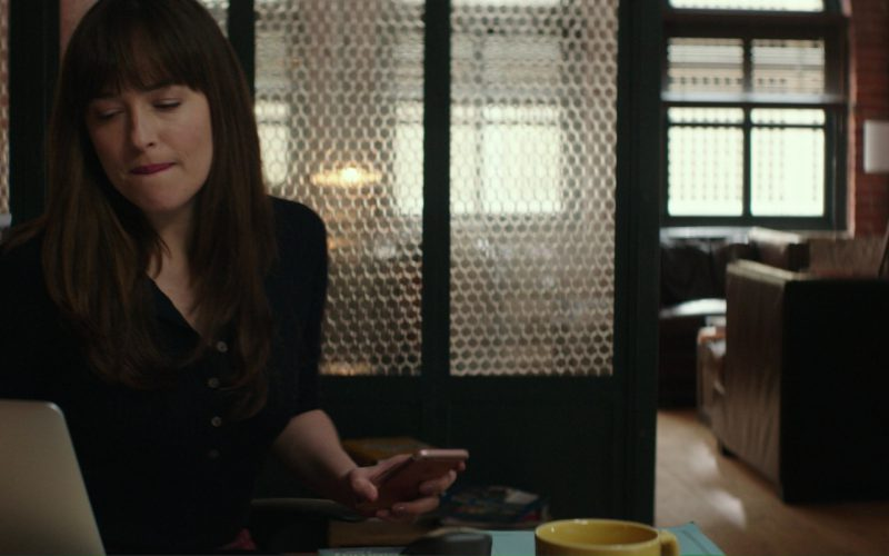 Apple Macbook Laptop and iPhone 6-6S Smartphone Used by Dakota Johnson in Fifty Shades Darker (1)