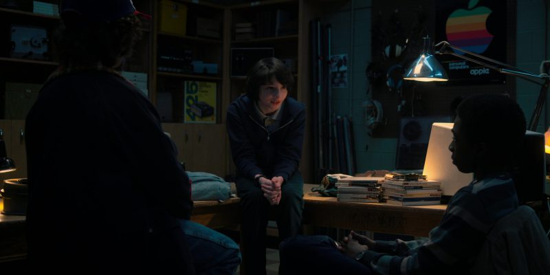 Apple Poster in Stranger Things: Will the Wise (2017) - TV Show Product Placement