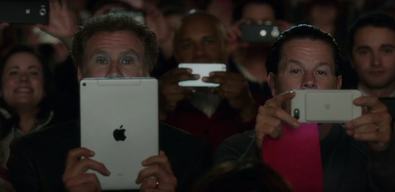 Apple iPhone Smartphones and iPad Tablets in Daddy's Home 2 (2017) - Movie Product Placement