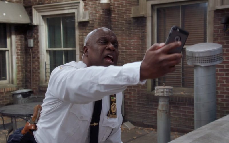Apple iPhone Used by Andre Braugher in Brooklyn Nine-Nine (1)
