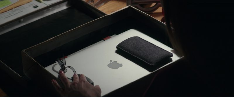 Audi A3 Car Keys And Apple MacBook Laptop Used by Dakota Johnson (Anastasia Steele) in Fifty Shades Darker (2017) Movie Product Placement