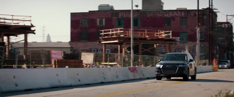 Audi Q7 SUVs Used by Jamie Dornan and Dakota Johnson in Fifty Shades Freed (2018) Movie Product Placement