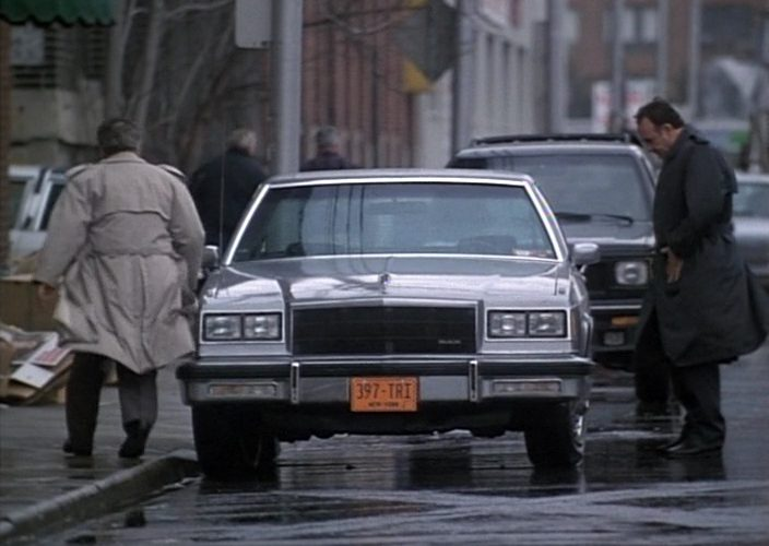 Buick LeSabre Car in Gotti (1996)