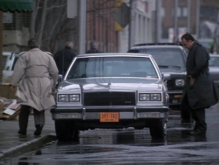 Buick LeSabre Car in Gotti (1996) Movie Product Placement