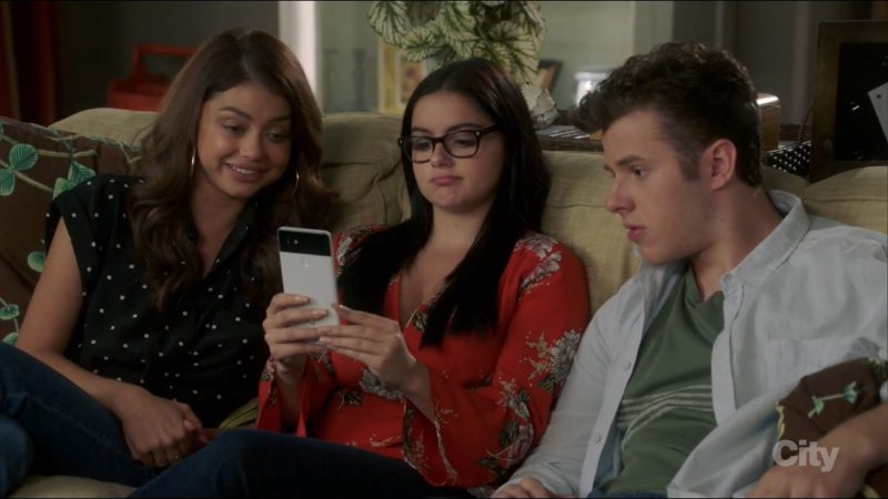 Google Pixel 2 XL Smartphone Used by Ariel Winter in Modern Family: It's the Great Pumpkin, Phil Dunphy (2017) TV Show Product Placement