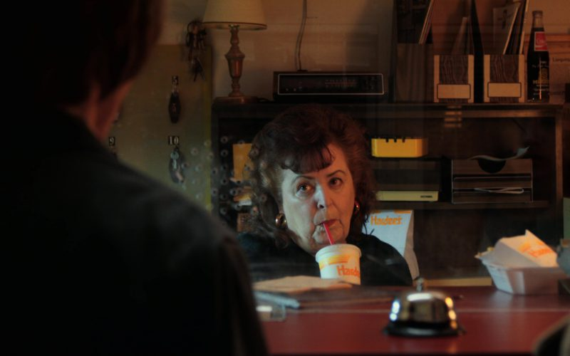 Hardee's Fast Food and Drink in Stranger Things (2)