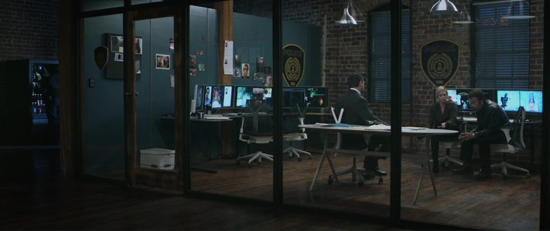 Hewlett-Packard Monitors in Hangman (2017) Movie Product Placement