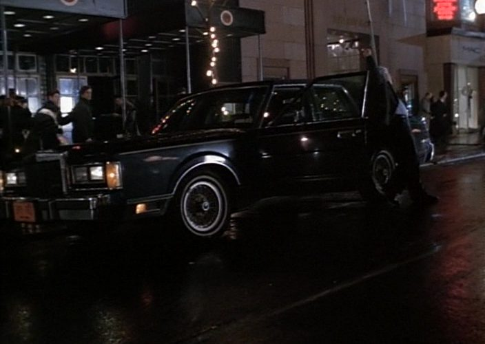 Lincoln Town Car in Gotti (1996)