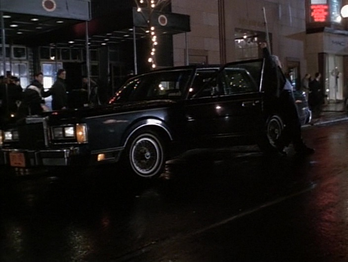 Lincoln Town Car in Gotti (1996) - Movie Product Placement