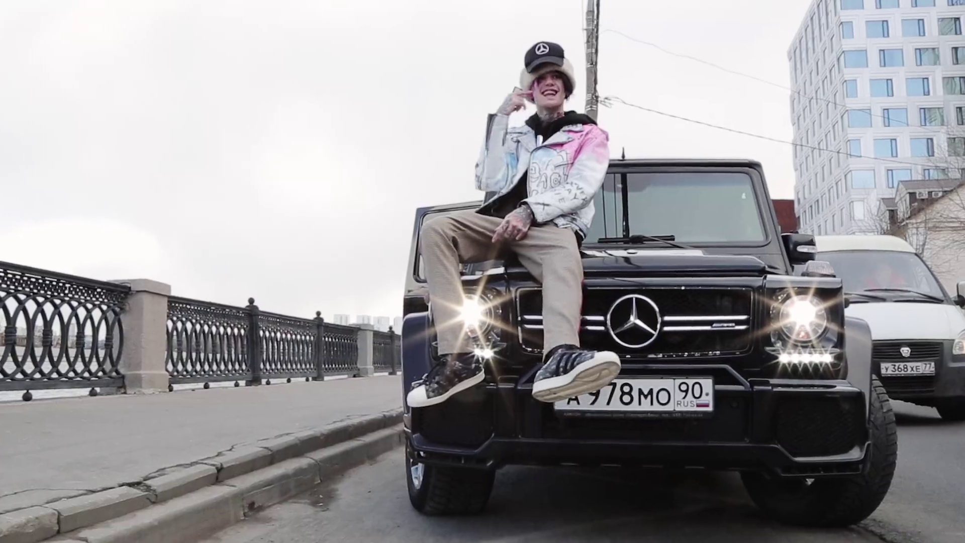 Mercedes Benz Gelandewagen G63 Black Car In Benz Truck By