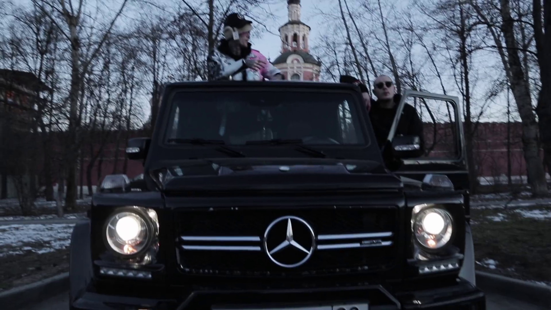 2017 Amg G63 Mercedes Benz >> Mercedes-Benz in Benz Truck by Lil Peep (2017) Official Music Video