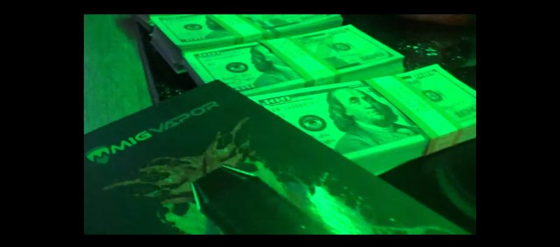 Mig Vapor Vaporizer in Phone Jumpin by Dave East ft. Wiz Khalifa (2017) Official Music Video Product Placement
