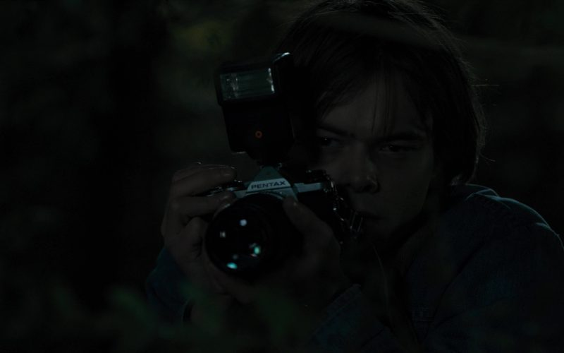 Pentax Photo Camera Used by Charlie Heaton (Jonathan) in Stranger Things (7)