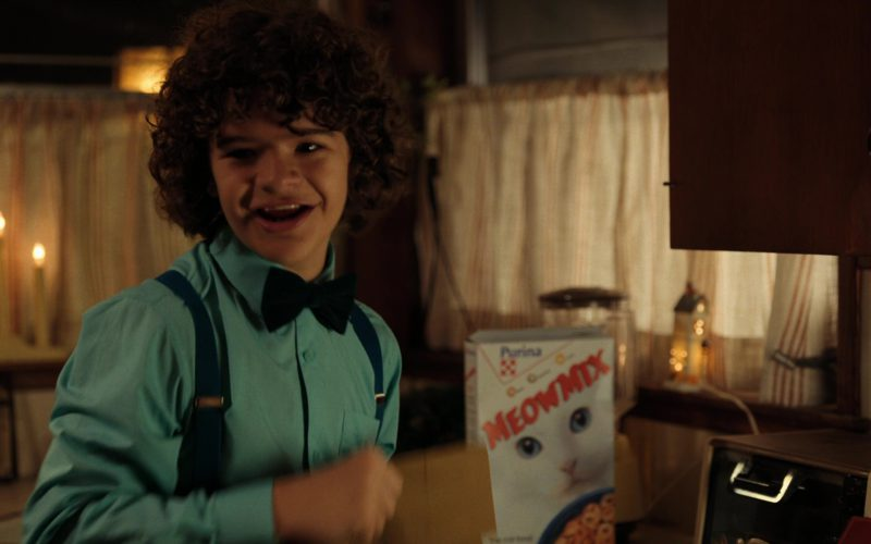 Purina Meow Mix Cat Food in Stranger Things (2)