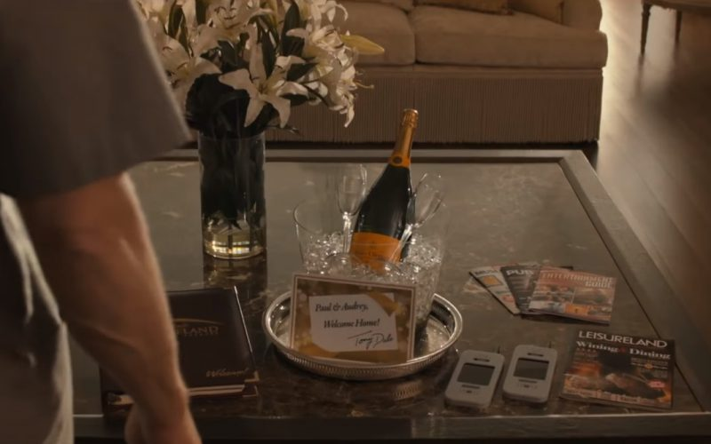 Veuve Clicquot Ponsardin champagne in Downsizing (1)