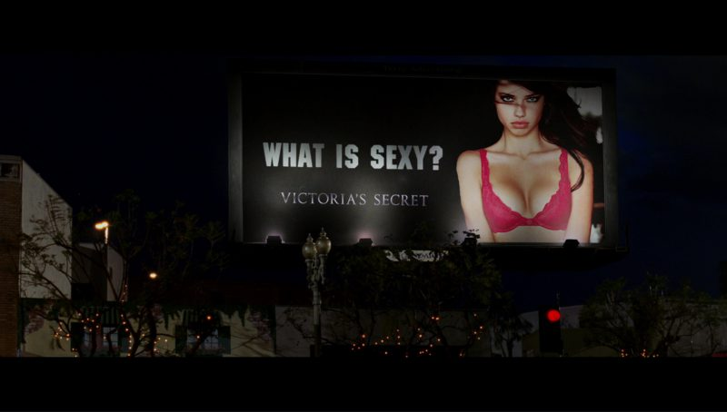 Victoria's Secret Billboard in Terminator 3: Rise of the Machines (2003) - Movie Product Placement