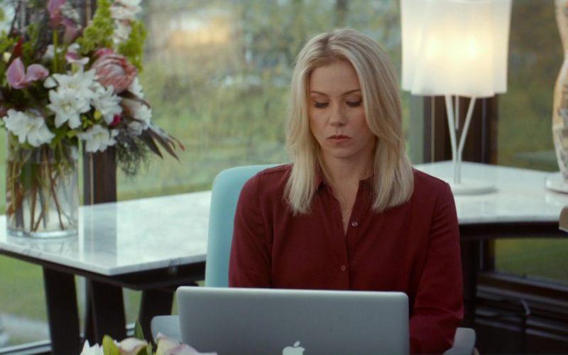 Apple MacBook Used by Christina Applegate in Crash Pad (1)