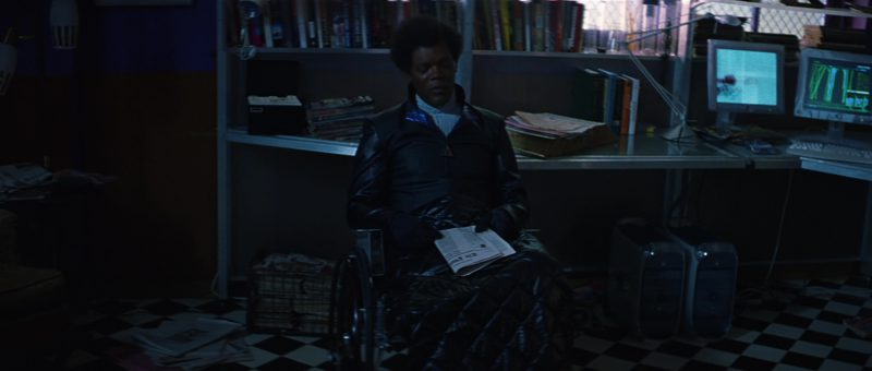 Apple Monitors and Power Mac G4 Computers Used by Samuel L. Jackson in Unbreakable (2000) Movie Product Placement