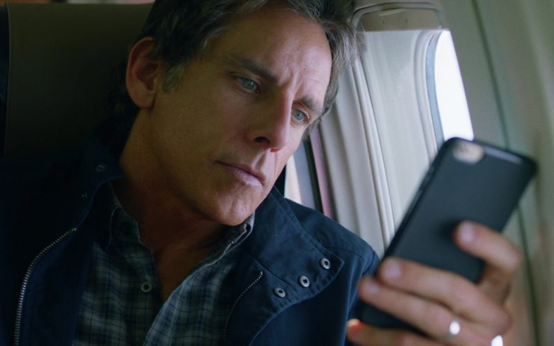 Apple iPhone Used by Ben Stiller in Brad's Status (3)