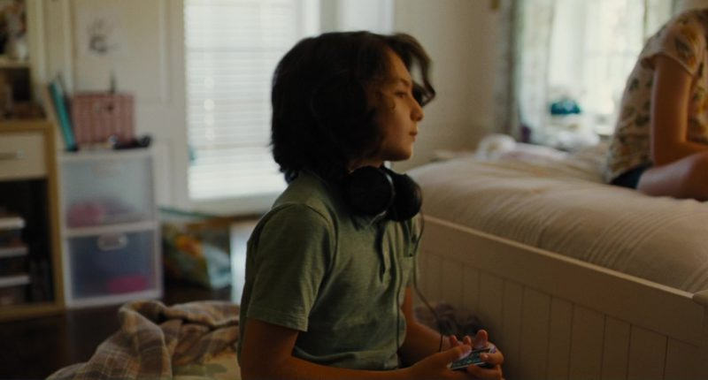 Apple iPod Media Player Used by Sunny Suljic in The Killing of a Sacred Deer (2017) Movie Product Placement