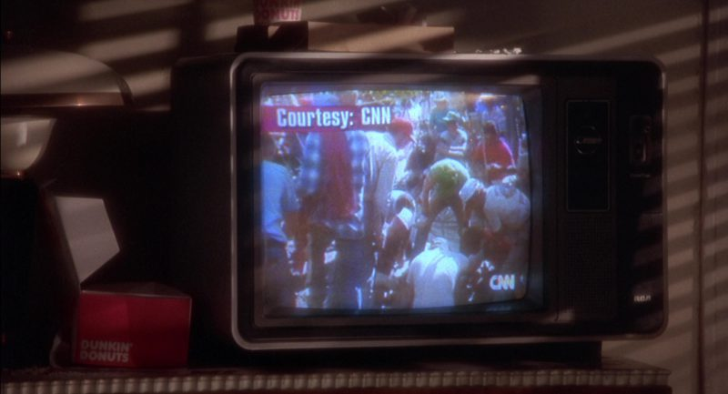 CNN, RCA TV and Dunkin' Donuts in Twelve Monkeys (1995) Movie Product Placement
