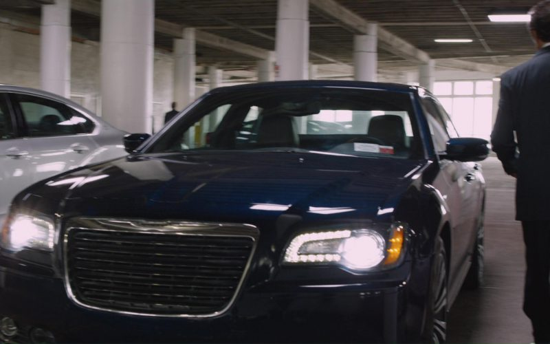Chrysler 300 SRT-8 Blue Car in The Fate of the Furious (1)