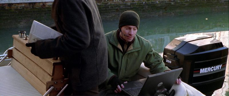Dell Laptops Used by Seth Green in The Italian Job (2003) - Movie Product Placement