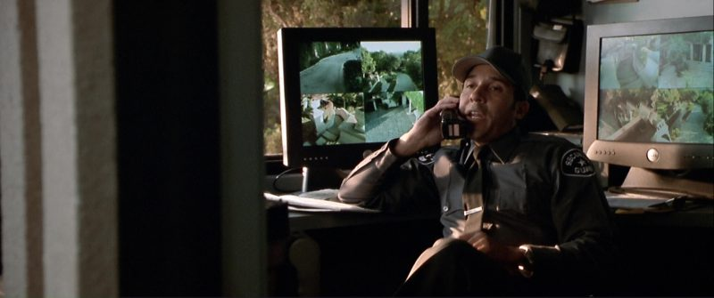 Dell Monitors Used by Oscar Nunez in The Italian Job (2003) Movie Product Placement