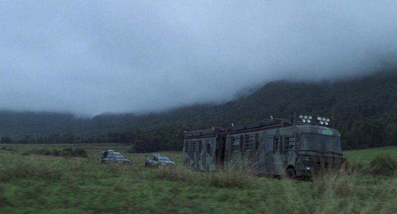 Fleetwood RV Southwind Storm Motorhome (Bus) in The Lost World: Jurassic Park (1997) Movie Product Placement