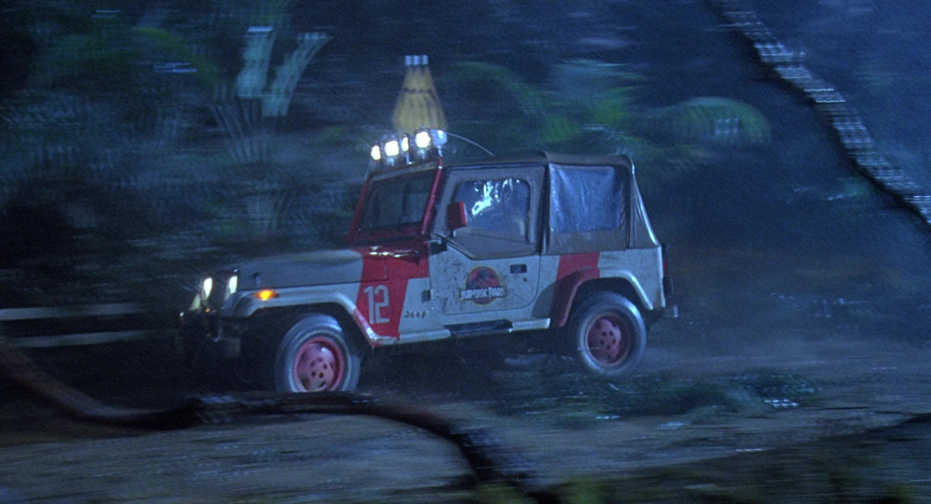 Range Rover Suv >> Jeep Wrangler Cars in Jurassic Park (1993) Movie