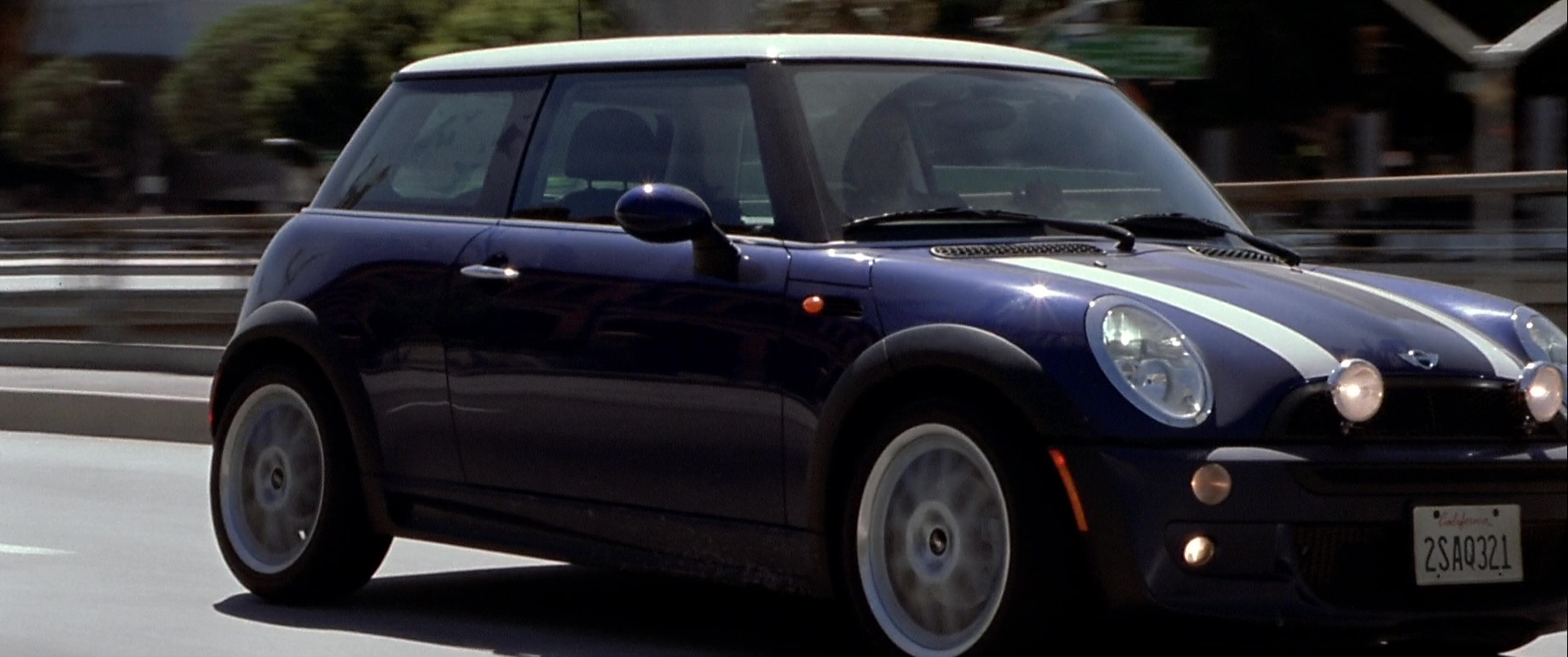 Italian Car Brands >> MINI Cooper S Blue Car Used by Mark Wahlberg in The Italian Job (2003) Movie