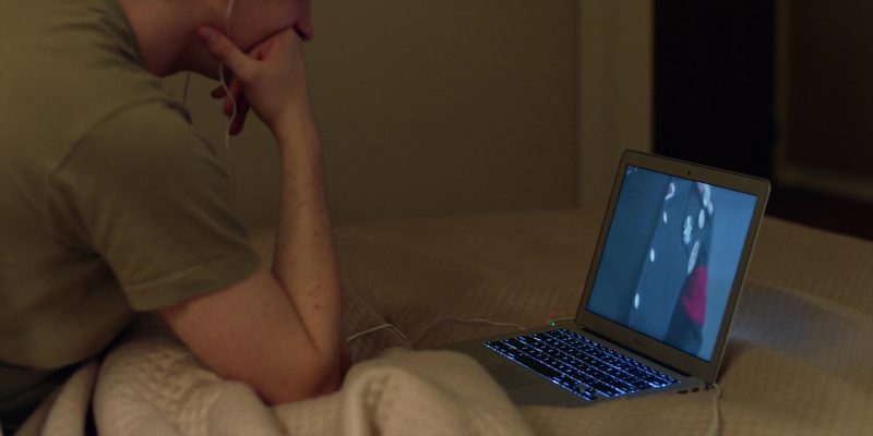 MacBook Air Laptop Used by Austin Abrams in Brad's Status (2017) - Movie Product Placement