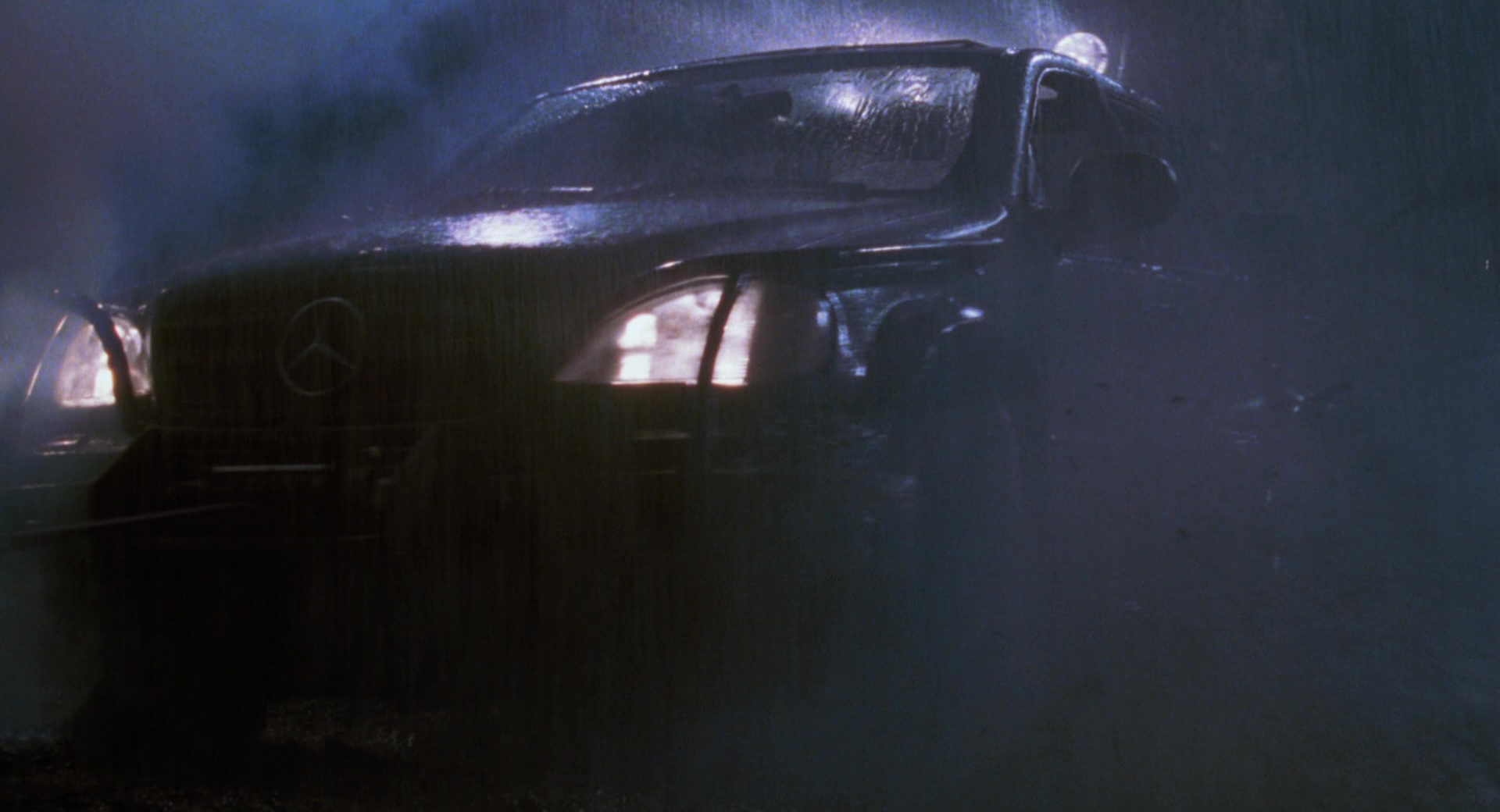 Lost My Car >> Mercedes-Benz ML-Class Cars in The Lost World: Jurassic Park (1997) Movie