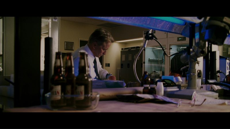 Molson Canadian Beer in The Sentinel (2006) Movie Product Placement