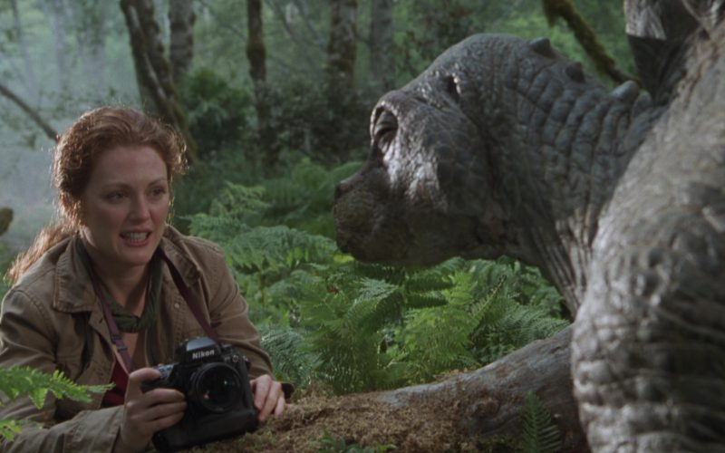 Nikon Photo Cameras Used by Julianne Moore in The Lost World Jurassic Park (11)