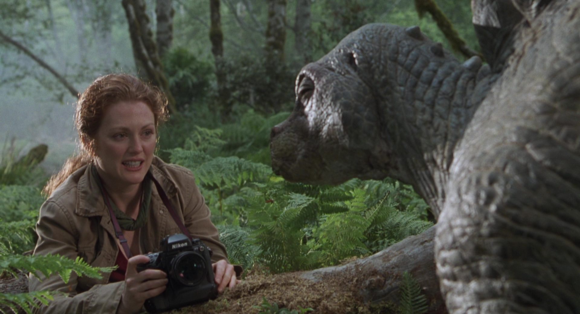 List Of Car Brands >> Nikon Photo Cameras Used by Julianne Moore in The Lost World: Jurassic Park (1997) Movie