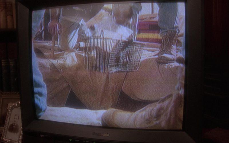 Panasonic TV in Twelve Monkeys (1)