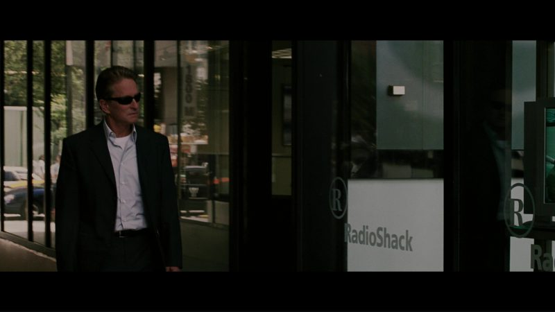 RadioShack Store in The Sentinel (2006) - Movie Product Placement