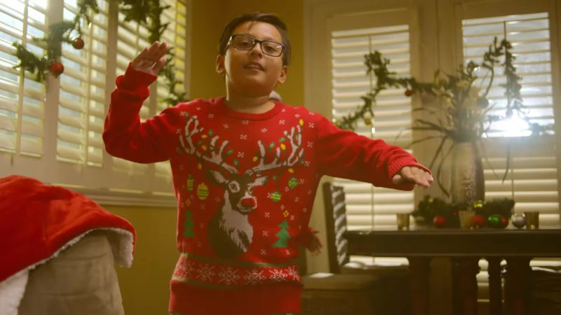 Ray-Ban Glasses in Lil Snowman by Mariah Carey (2017) - Official Music Video Product Placement